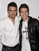 Jason Wahler (L), Kris Black (R)