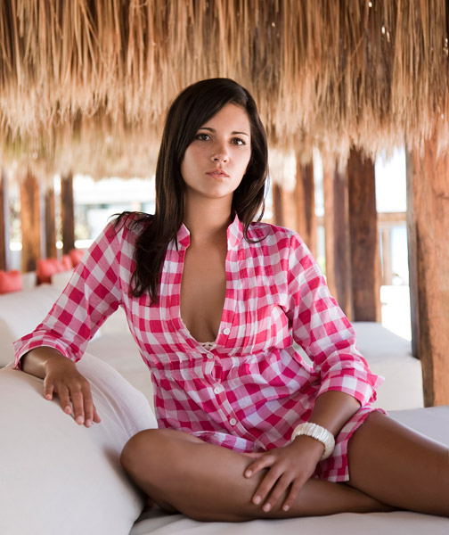 Ifelicious TV: Red carpet interview with Emilee from Real World Cancun