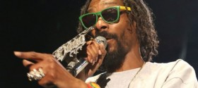 'Drop it Like it's Hot': Rapper Snoop Dogg becomes Snoop Lion and goes reggae