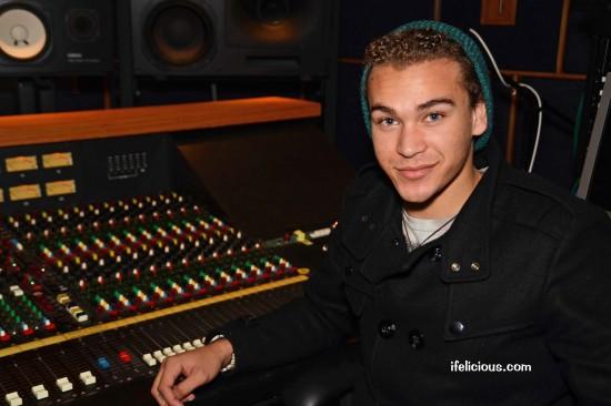 American Idol DeAndre Brackensick Ifelicious Milwaukee