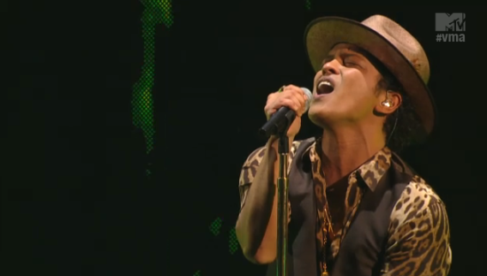 Bruno Mars Gorilla MTV VMA Brooklyn 2013