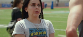 HuffPost Live: 'The DUFF' star Mae Whitman tells Ifelicious about her real life Bianca moments (video)